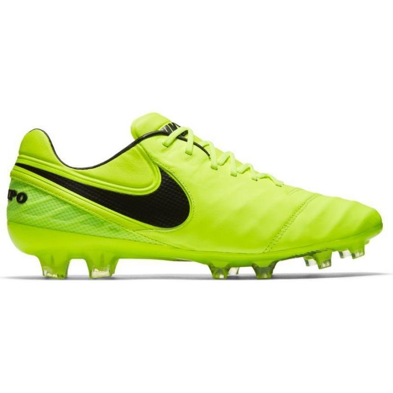Nike Chaussures Légende Tiempo Pour Les Hommes dfxgo