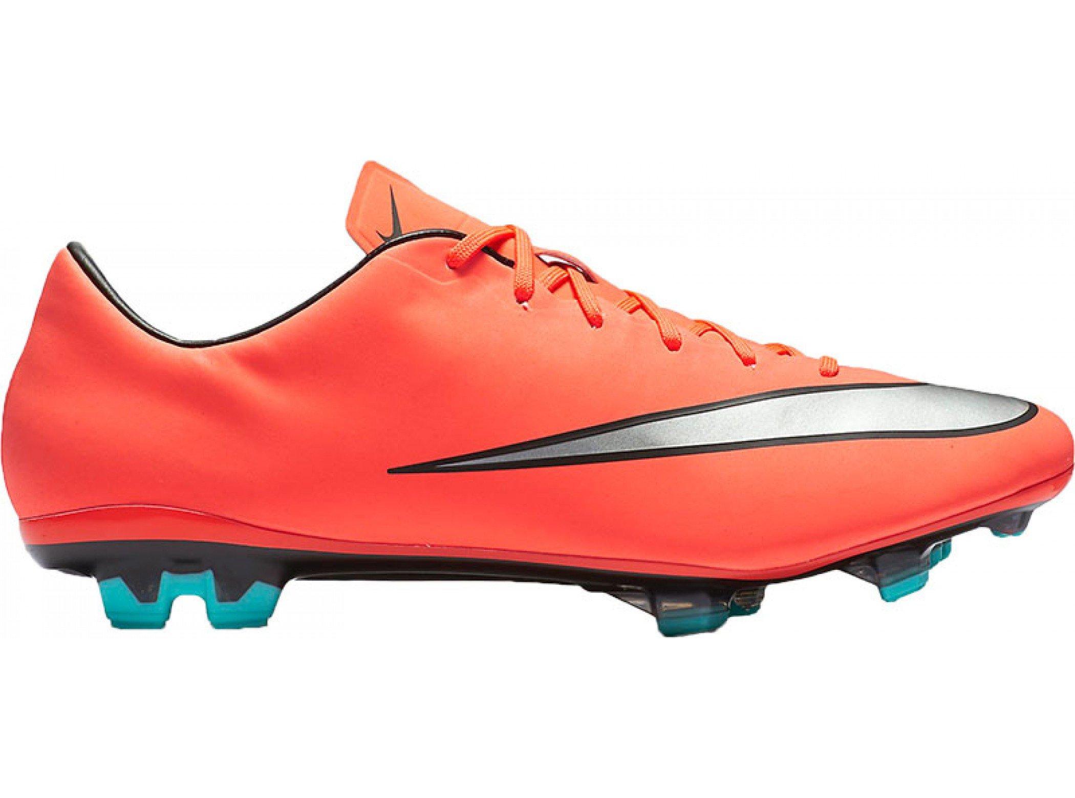 - Nike Mercurial Veloce II FG