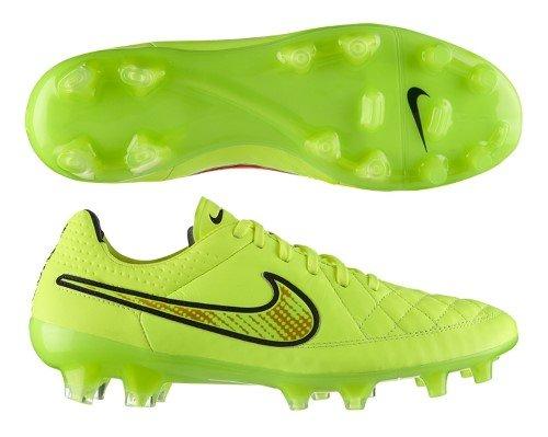 - Nike Tiempo Legend