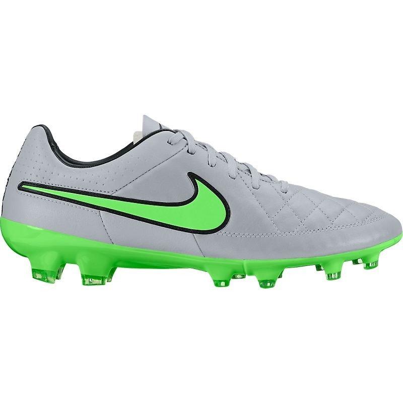 - Nike Tiempo Legacy FG